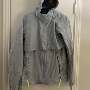 Lulu windbreaker with detachable hood/sleeves